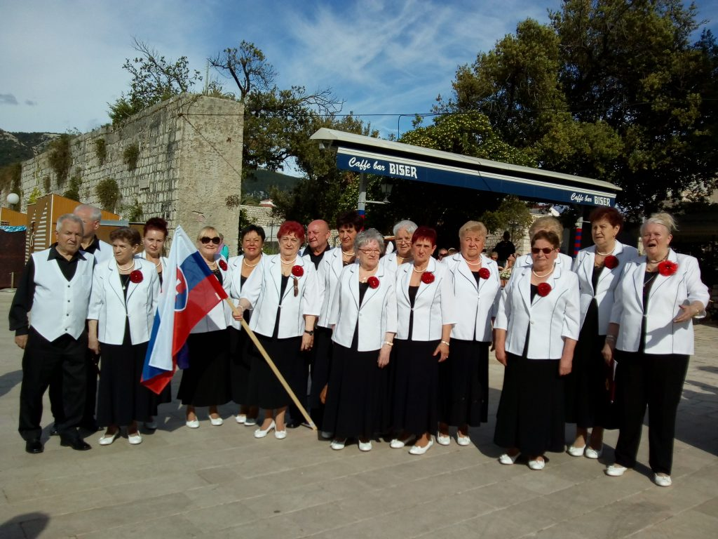 Spevácka skupina pri MsO JDS v Čadci Slnečnice žala úspechy na festivale v Chorvátsku
